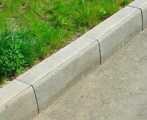 Камень бордюр дорожный